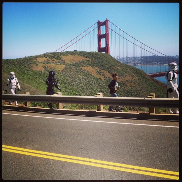 I have seen crazy stuff at the @GGBridge.  But this is one I have never seen.  Until today. #StarWars #Stormtrooper pic.twitter.com/P4xWP3bdNQ