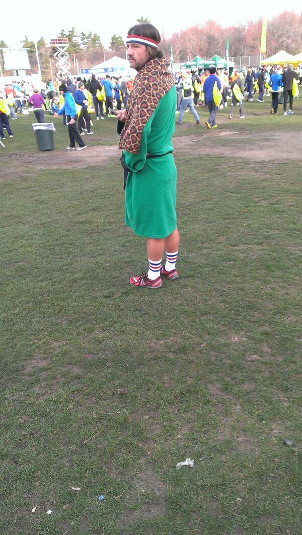 Diggin it. #117th @bostonmarathon #Hopkinton pic.twitter.com/wHQR2UTUcS