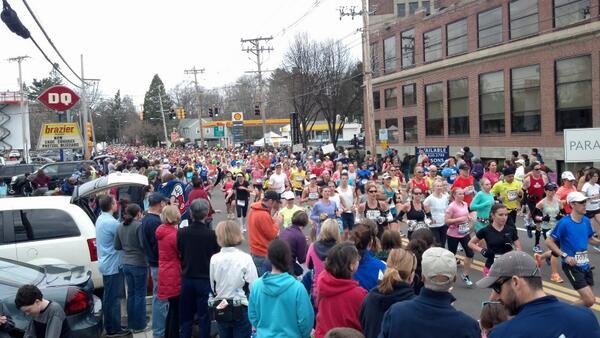 Scene in #Ashland. #bostonmarathon pic.twitter.com/8qCVTU6wet