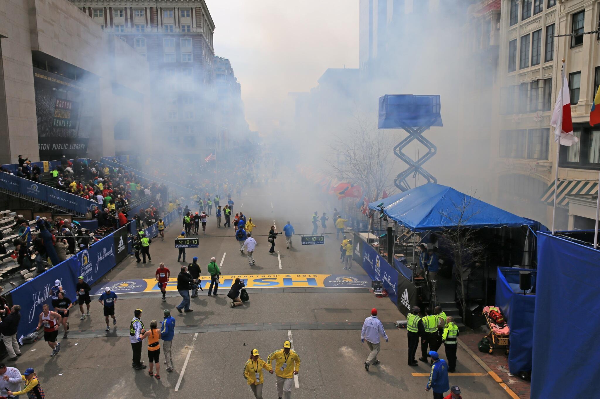 Twitter / GlobeDavidLRyan: boston marathon explosion ...