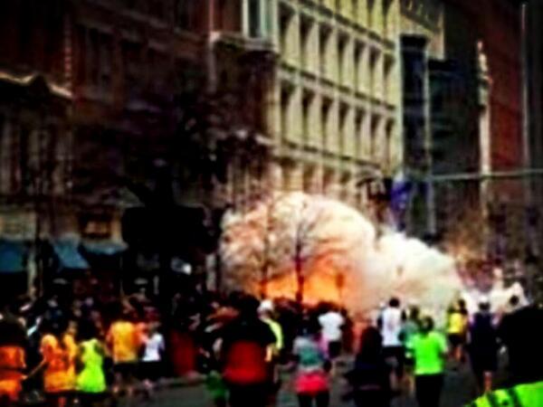 Momento de la explosión en #Boston #MaratónBoston FOTO: pic.twitter.com/pegp6Y0NSa
