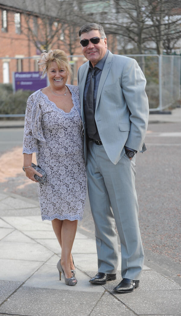 The Sun North West On Twitter Sam Allardyce And His Wife Arrive At Aintree Races Grandnational Http T Co 7rrhtfm2rf