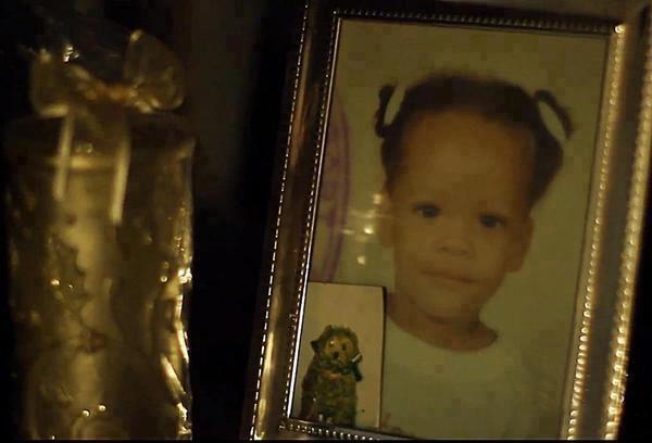 Fotos anteriores de Rihanna [3] > Apariciones, Photoshoots... BHBzUbdCMAEAI9a