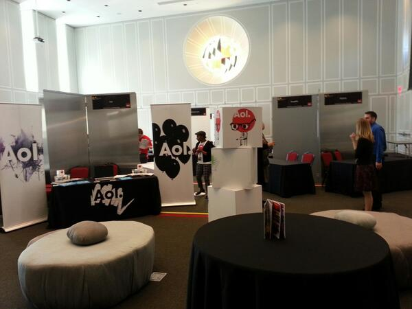Setting up for #cupidscup! Don't forget to check out the aol lounge in the middle of the showcase floor! @aolcollege pic.twitter.com/IDTUn4JhB9
