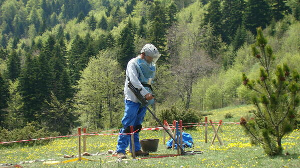 16,608, 055 m2 in Albania certified as mine free & returned to the  population for productive use #MDGmomentum pic.twitter.com/WcVmSL7opd