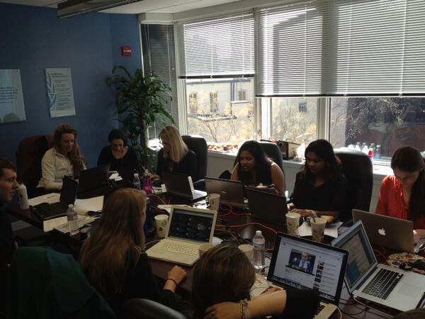 Working hard! RT @emgoreun UNF leaders chatting it up on last 1000 days of MDG #mdgmomentum pic.twitter.com/clZoTZfliL