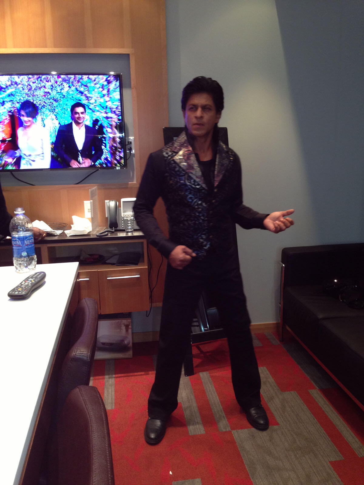 Twitter / iamsrkclub: Check out SRK in a rocking ...