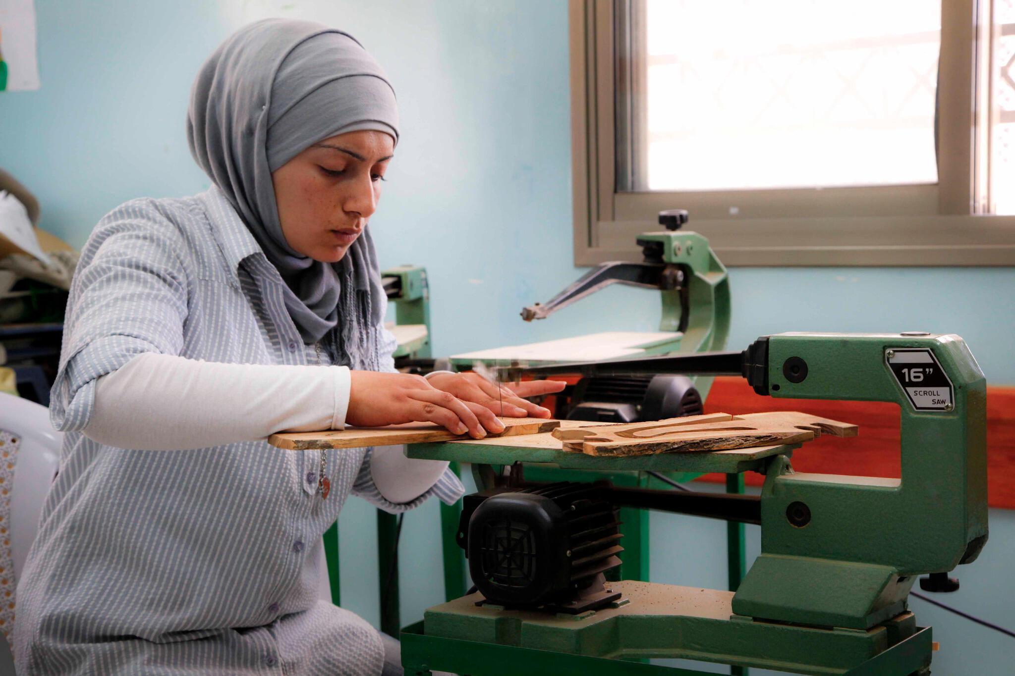 Twitter / UNDPPalestinian: Palestinian woman at vocational ...