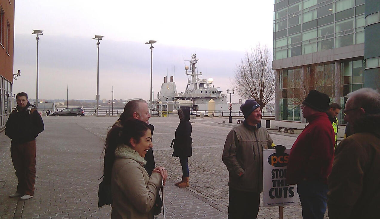 Twitter / PCS_Northwest: This morning's DBS (CRB) picket ...