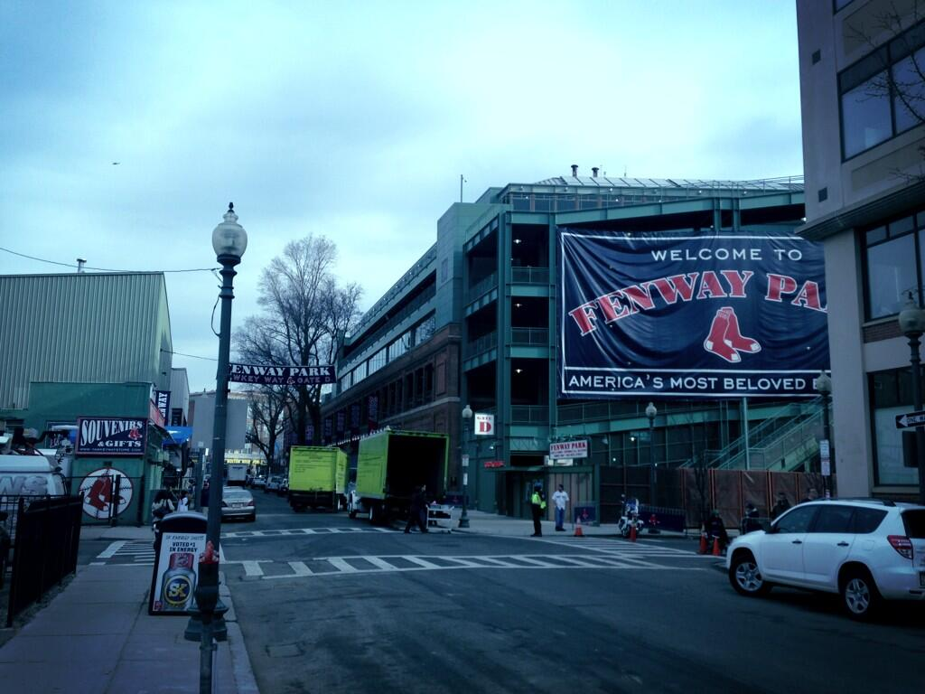 Twitter / OBJLPhil: Opening day walk to the office. ...
