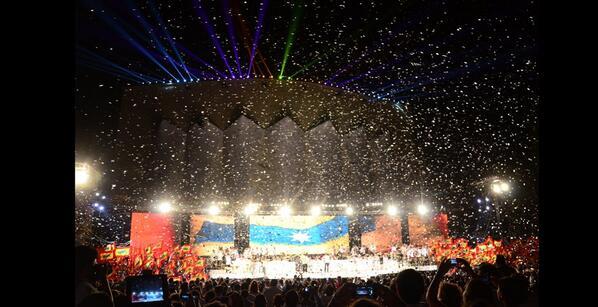 Barranquilla (Colombia) festejó a lo grande su bicentenario, la celebración del cumpleaños 200 de Barranquilla. pic.twitter.com/iKTvZgyvXA