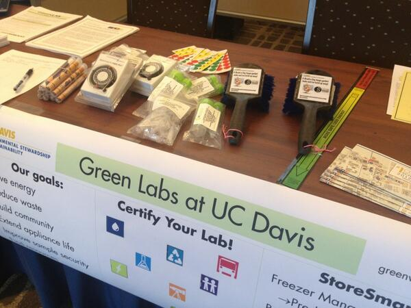 We're all about the green at UC Davis, even in the labs -- at the OR open house. pic.twitter.com/jxdxphUhWQ