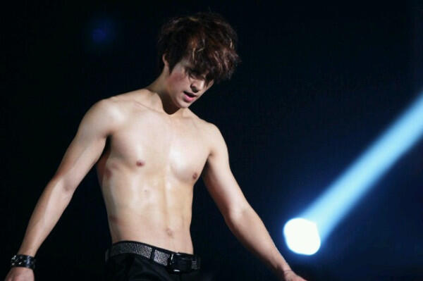 "KPOP WORLD INA on Twitter: ""Last dongwoon abs kkkk -kiks ..."
