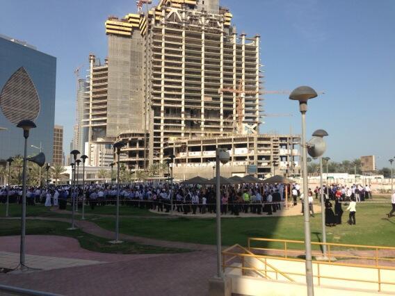 إخلاء عدة مباني في قطر بعد هزة أرضية #زلزال_قطر #قطر #Qatar http://t.co/fj5OepzD1R