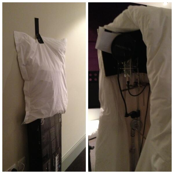 Hotel room studio set ups at their best hahaha! http://t.co/p9NB9tEuaj