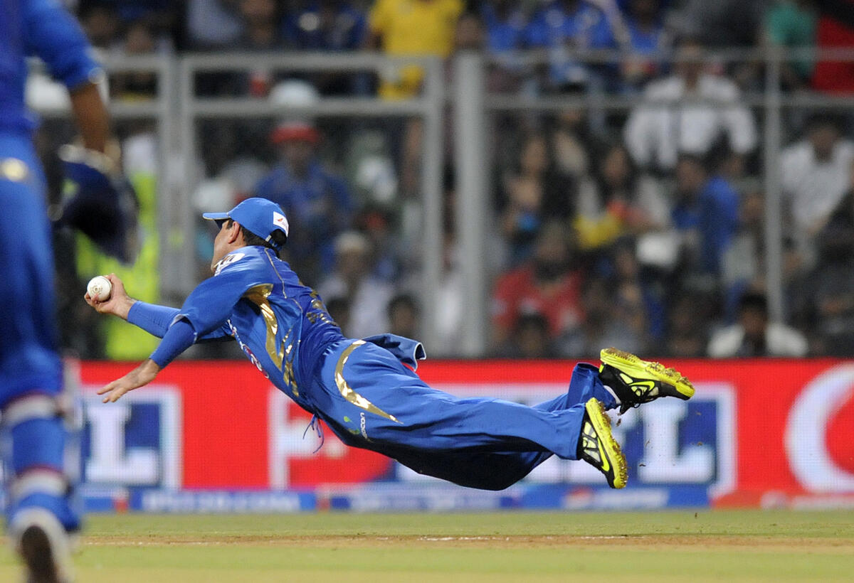 Twitter / cricbuzz: Is it a bird? Is it a plane? ...