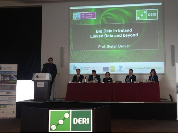 Stefan Decker @stefanjdecker, director of @deri, is now up to present some great stuff on big & linked data #EDF_13 pic.twitter.com/qkJ8764qzo