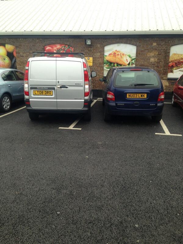 LT08 DRO displaying crap parking