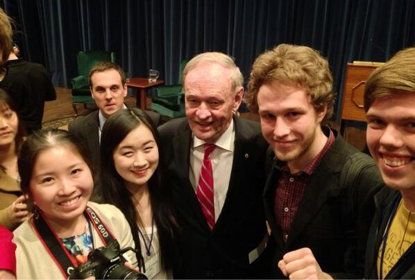 Very fun talk by PM Chrétien at #Pearson50 -- cracked up the audience while sharing his insights! #uoft pic.twitter.com/XH715nN2NU