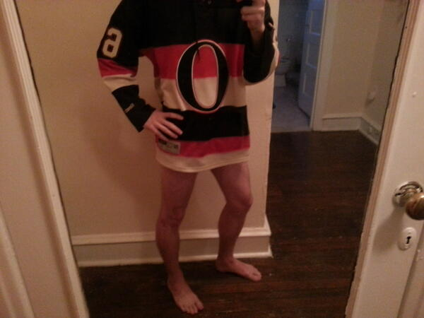 #Rihannaing: The only way to get the #Sens out of their slump. pic.twitter.com/7AKiqiYnhX
