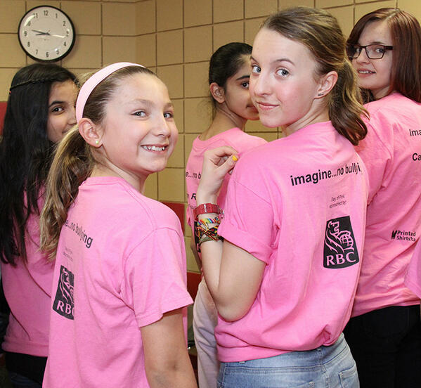 Are you wearing pink today? Our students are! @hgi_news #StopBullying #DayofPink #PTSD pic.twitter.com/aSEG02mlr0