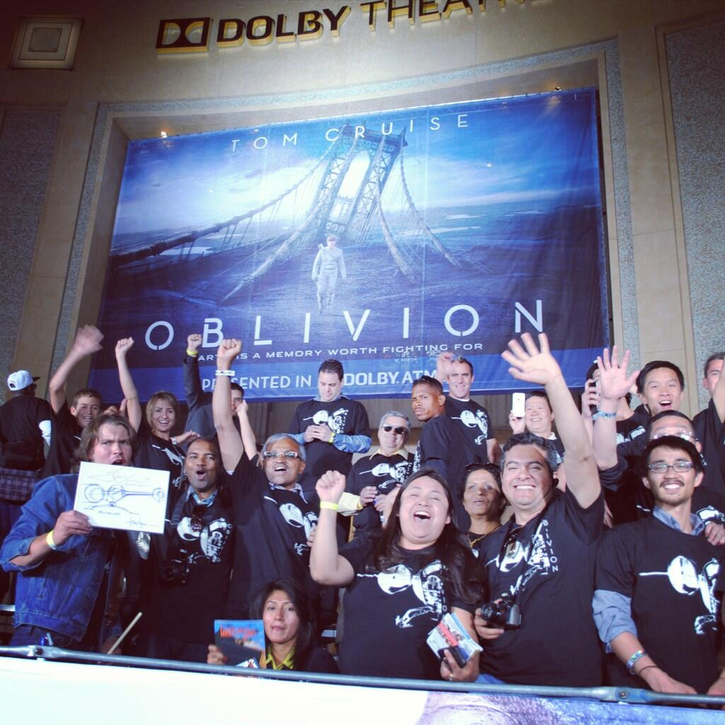 Twitter / OblivionMovie: #Oblivion fans at the Hollywood ...