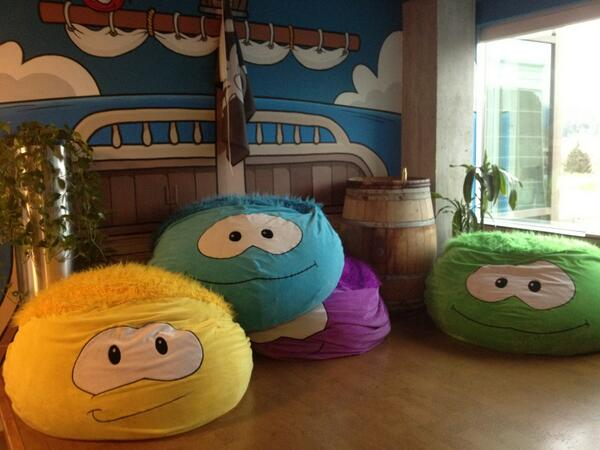 Puffle Seat anyone? These are too cute. #ClubPenguinSummit pic.twitter.com/LCYPVFXpVA