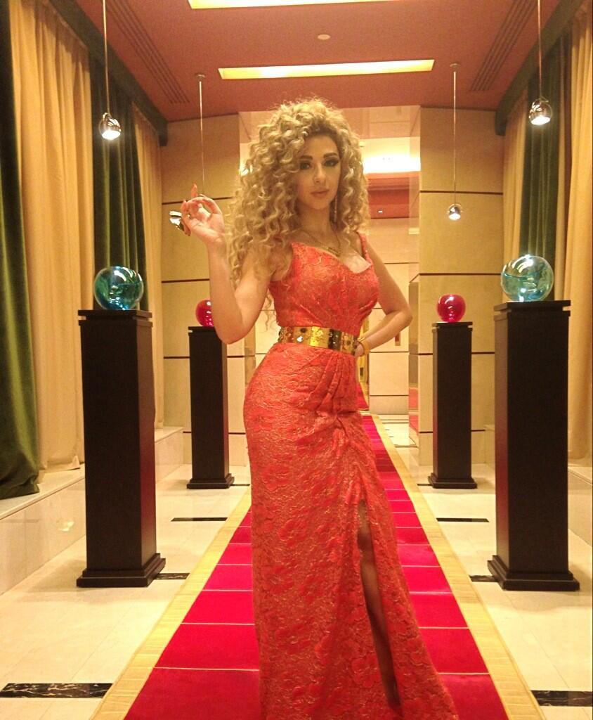 بالصور فستان بفتحة مثيرة يجعل ميريام فارس الأكثر جماهيرية BHmbvn3CUAECWRa.jpg: