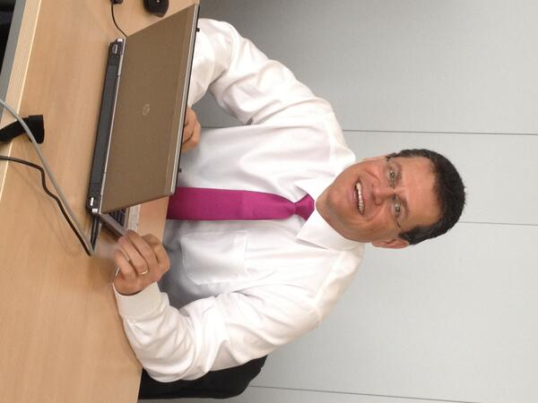 . @MarosSefcovic is taking Qs live now! Comments, questions or opinions? Share them with #ECI pic.twitter.com/12g2mxFIKC