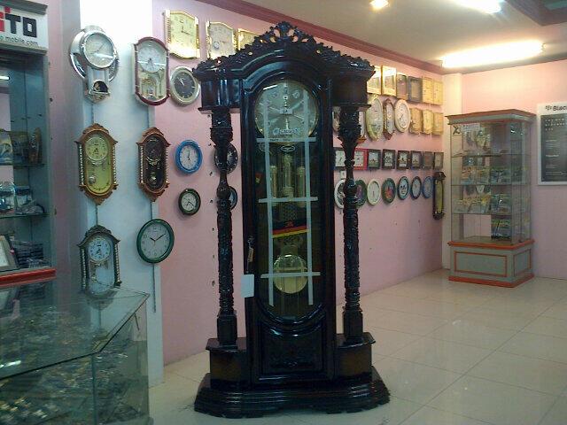 Gambar Jam Dinding Besar di Jual Jam Dinding Besar