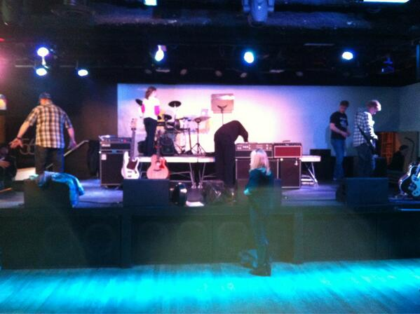 Sound check for the Impalas and Squish band! #supernatural #spnfamily #jimions pic.twitter.com/WNjtQBiSF4