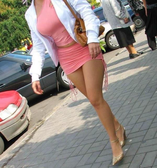 Bajo faldas con pelitos