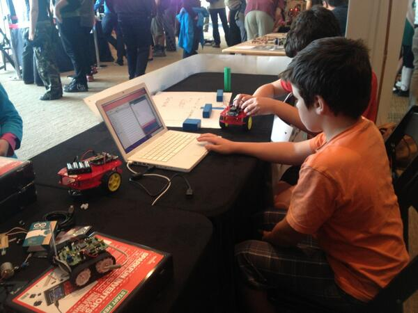 What a superb day at #makertorium. Loved seeing kids excitement at programming a robot to navigate a gauntlet. http://pic.twitter.com/vJNHaymMmE