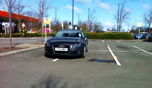 FT11 XWH displaying Inconsiderate Parking