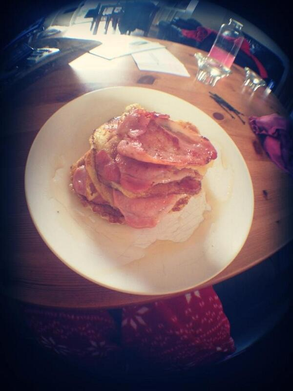 I really am a food mastermind! #bacon #pancakes http://t.co/2ZRjo8T55M http://t.co/mk4vrV44Cv