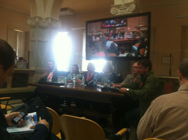 C'è #lavoro per i #giovani in #UE? Workshop #ijf13 con @mastrobradipo @LRobustelli pic.twitter.com/JvRCXew1Az