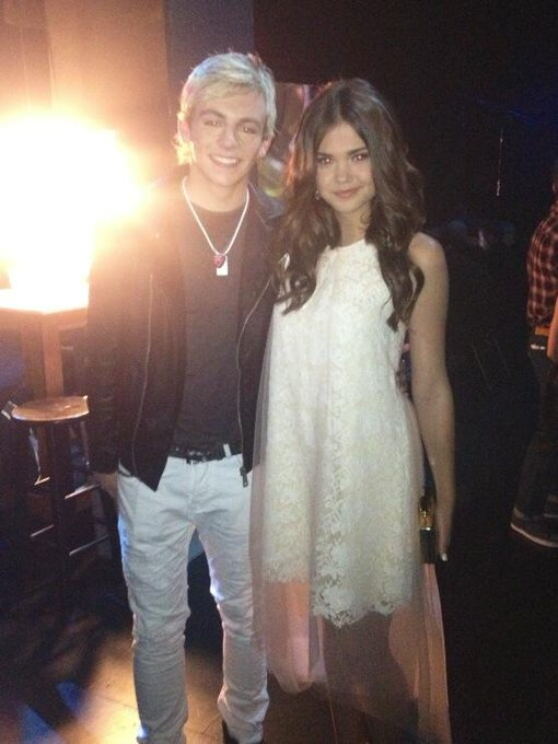 Backstage at the @RADIODISNEY Music Awards with @rossR5 http://t.co/IayBuIDysh
