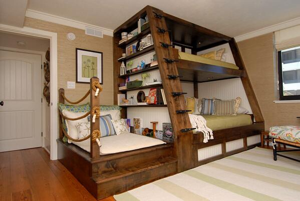 Twistedsifter On Twitter A Bunk Bed With A Reading Nook