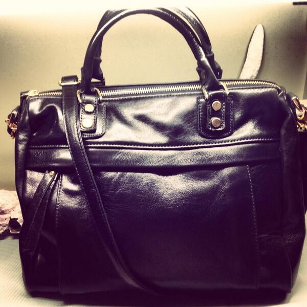 Corrente Handbags On Twitter The Back In Black Avery Satchel Madeinnyc T Co Q5wlub3mam Aywbaos84v