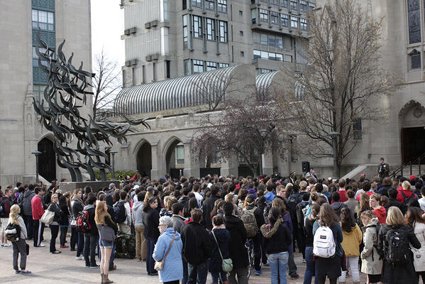An hour ago, BU students gathered in front of Marsh Chapel for a short vigil. #StayStrongBU pic.twitter.com/vYBQDghi5i