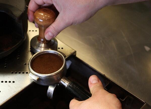Burnunuza güzel kokular geliyor mu? Foursquare check-in yapıp bir menü seçtiğinizde, Americano kahve ikram ediyoruz!