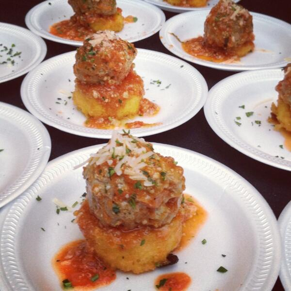 And u know this Pasquarella can't pass up meatballs! They're from Napa on Providence. @TasteNationCLT #NoKidHungryCLT pic.twitter.com/tqwtjeoWgF