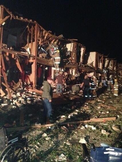 BREAKING: Stunning photo of apartment near explosion in #West Texas - @roncorning pic.twitter.com/XoagVGF7o2
