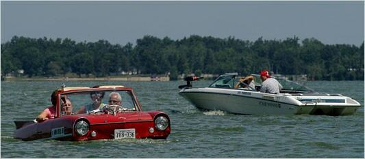 If there are any car buffs in the area who have an Amphicar in their collection, this is their lucky day. #cststorm pic.twitter.com/70MIxkJr9r