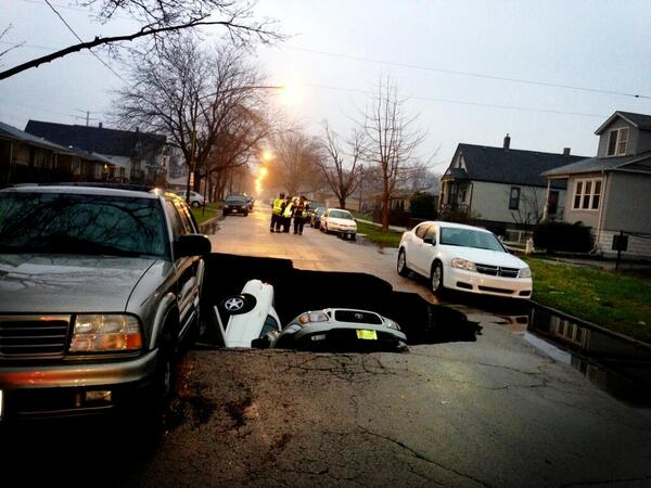 Thumbnail for Sinkhole opens up in Chicago neighbourhood