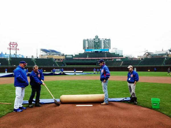 RT @cubs: Roger Baird and the Wrigley Field grounds crew prepare the mound for today's #CubsvsRangers game. pic.twitter.com/R3xuM7HqBF #cststorm