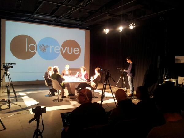 en direct du plateau avec éric sadin, jean-michel besnier et laurent alexandre #cuberevue pic.twitter.com/G6PErvnTVF