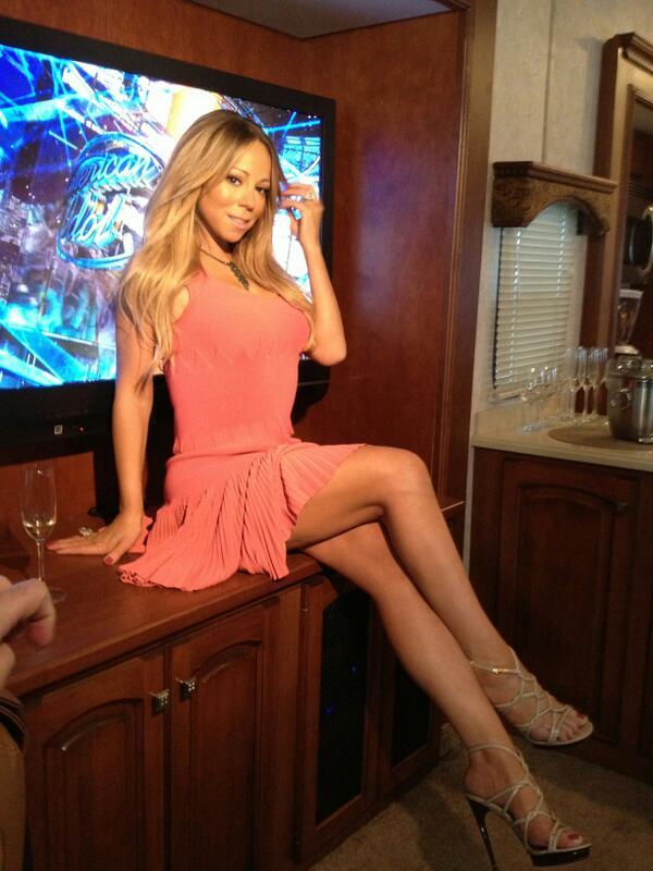 B'Day >> The Supreme Songbird Mariah Carey BILju-nCAAApm0J