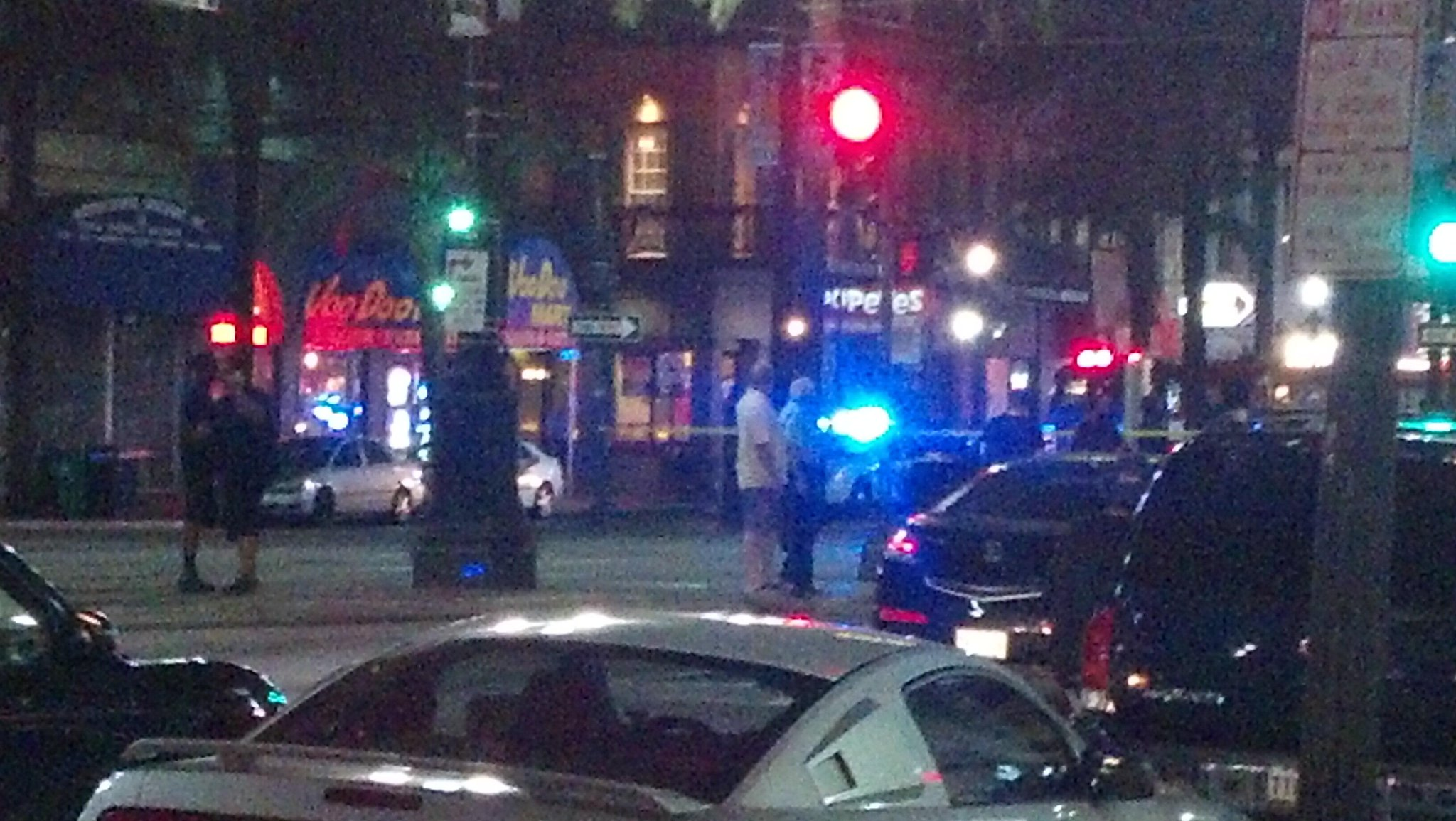 Twitter / MHernandezWWL: Bomb sniffing dogs at 600 block ...