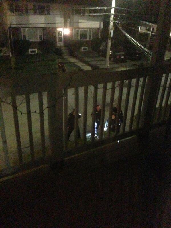 A dozen officer going into our yard at 62 laurel st. #mitshooting #mit #boston http://pic.twitter.com/JiGvamx8Ze